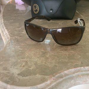 Brand new Ray-Ban Polarized Sunglasses